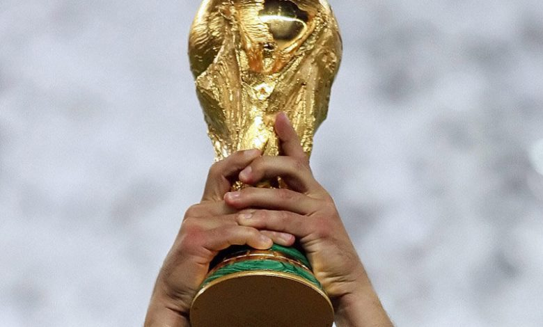 وصول رئيس الاتحاد الدولي إلى مطار القاهرة للمشاركة في كأس العالم