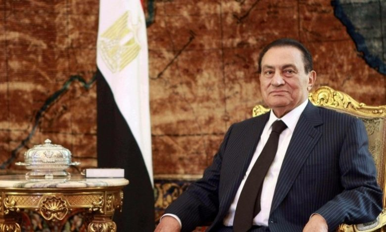 ينعى الاتحاد المصري وفاة الرئيس الأسبق حسني مبارك